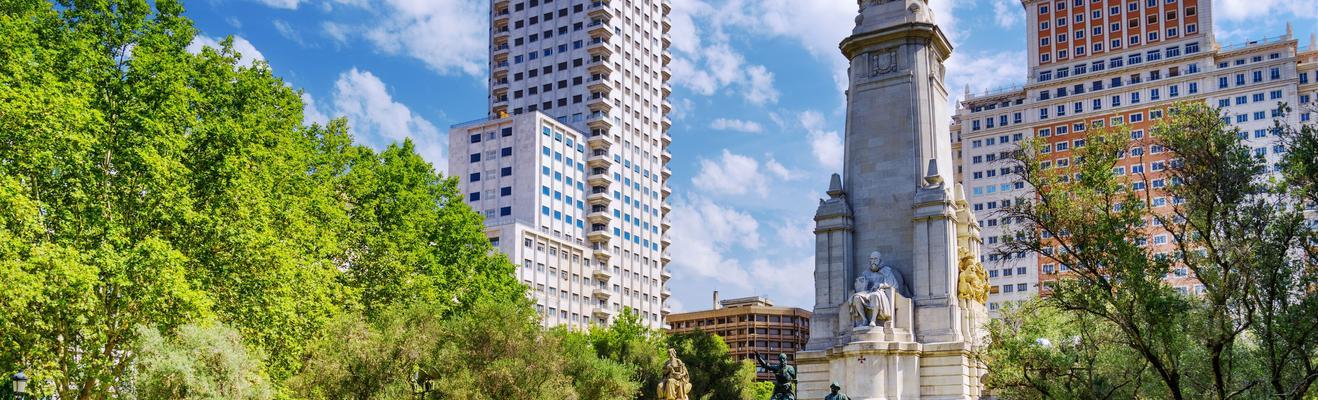 마드리드 - 도시적인, 역사적인, 나이트라이프