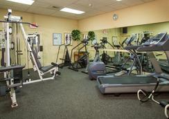 Coast International Inn - 앵커리지 - 체육관