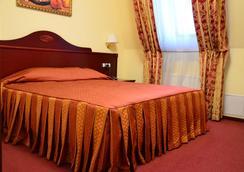 오로라 프리미어 호텔 - 카르코브 - 침실