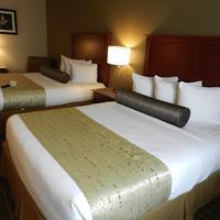 베스트웨스턴 플러스 피크 비스타 인 앤 스위트 Our double queen rooms are great for traveling families.