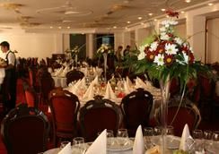 Best Western Silva Hotel - 시비우 - 레스토랑