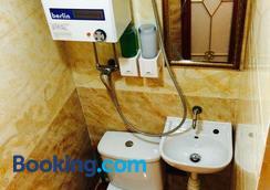 슬립 인 호텔 - 홍콩 - 욕실