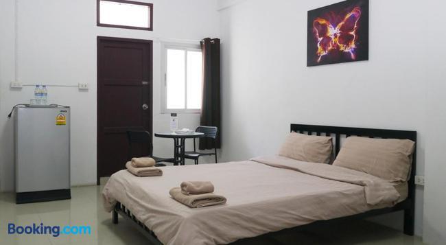 반 마이 게스트하우스 - 방콕 - 침실