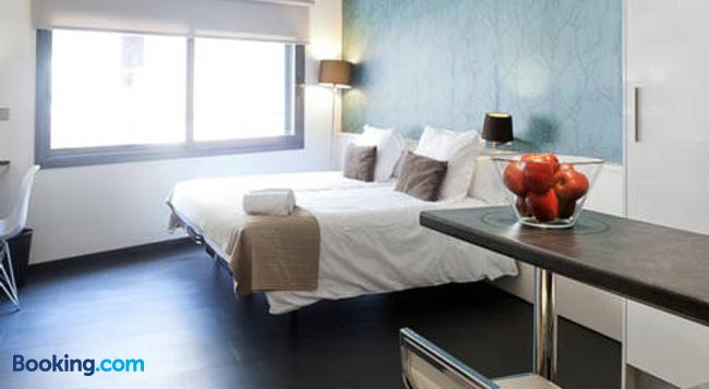 Barcelona Fifteen Luxury Hostel - 바르셀로나 - 침실