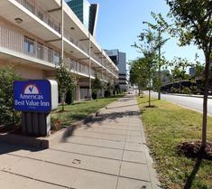 Americas Best Value Inn-St. Louis / Downtown