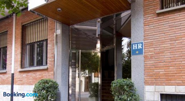 Hotel Residencia Isasa - 로그로뇨 - 건물