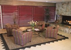 Safari Inn, a Coast Hotel - 버뱅크 - 로비
