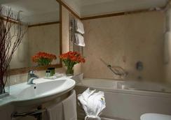 데이 보르고그노니 호텔 로마 - 로마 - 욕실