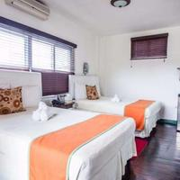 Altamont West Hotel Guest room