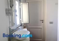 Relais Piazza Dei Martiri - 나폴리 - 욕실