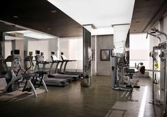 나시마 타워 호텔 아파트먼트 - 두바이 - 체육관