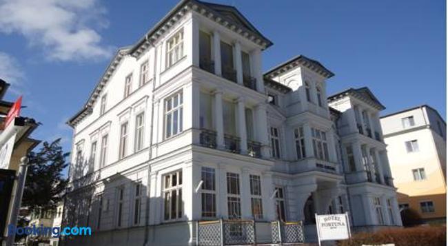 Hotel Fortuna - 제바트헤링스도르프 - 건물