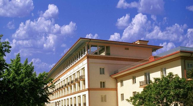 타쉬켄트 팰리스 호텔 - 타슈켄트 - 건물