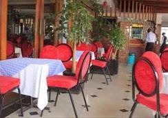 Hotel Ambassadeur - 나이로비 - 레스토랑