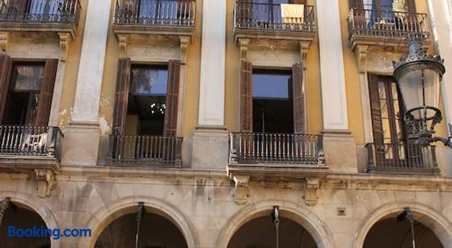 펜션 빌라누에바 - 바르셀로나 - 건물
