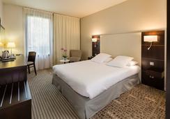 Best Western Plus Hotel de l'Arbois - 엑상프로방스 - 침실