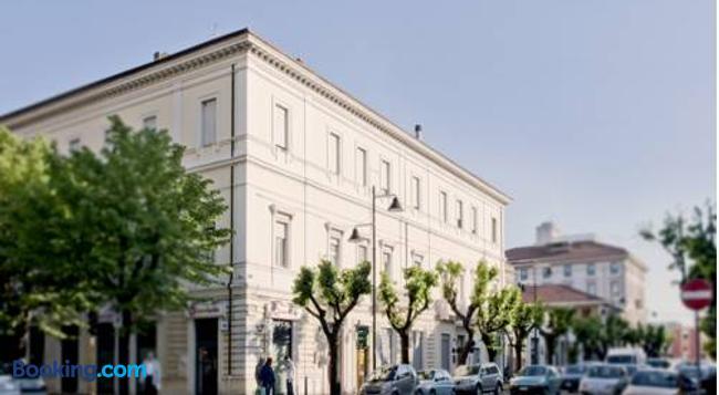 디모라 노베센토 - 페스카라 - 건물