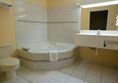 Americas Best Value Inn-San Antonio/Lackland AFB - 샌안토니오 - 욕실