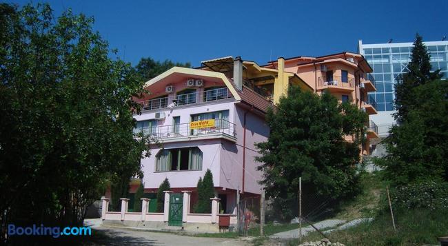 Villa Mari Guest Rooms - Varna - 건물