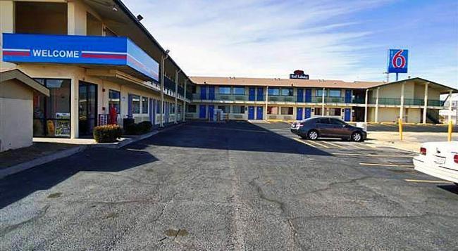 Motel 6 Amarillo - West - 애머릴로 - 건물