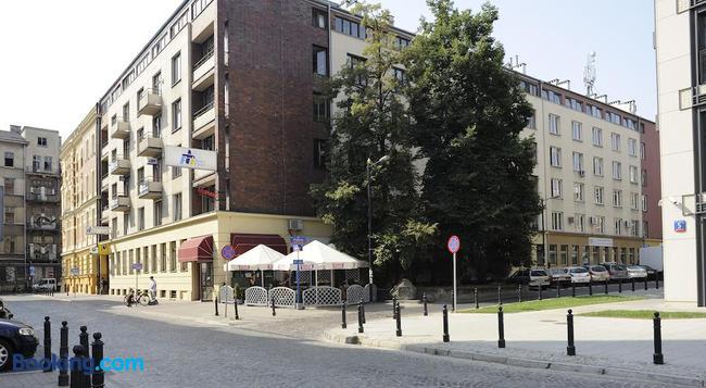 Emka Hostel - 바르샤바 - 건물