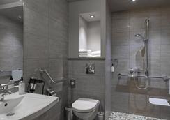 베스트 웨스턴 그랜드 호텔 드 보르도 - 오리야크 - 욕실