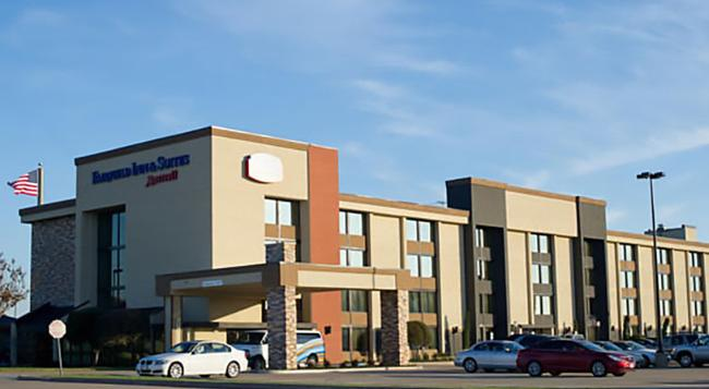 Fairfield Inn & Suites Dallas DFW Airport South/Irving - 어빙 - 건물