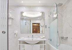 아바 호텔 앤드 스위트 - 아테네 - 욕실