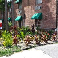 Texas Inn Hotel Entrance