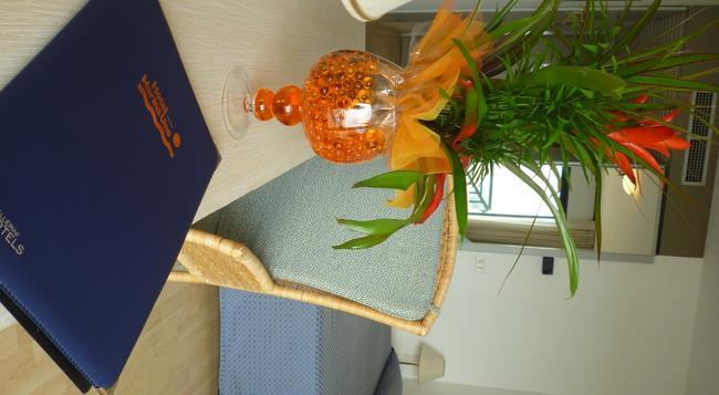 Hotel Marina Uno - 리그나노 사비아도로 - 침실