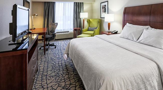 Hilton Garden Inn Louisville Northeast - 루이빌 - 침실