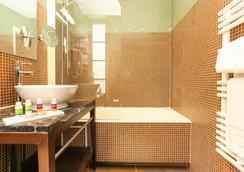 호텔 르 로크로이 - 파리 - 욕실