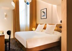 호텔 마리냥 샹젤리제 - 파리 - 침실