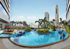 아마리 워터게이트 호텔 - 방콕 - 수영장