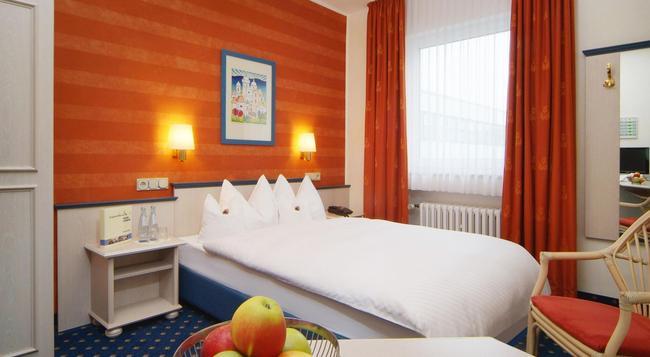 Hotel Ludwig Superior - 쾰른 - 침실