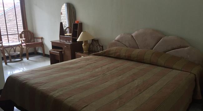 호텔 크리스탈리트 - Yogyakarta - 침실
