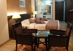Azzaro Resorts & Spa - Diu - 침실