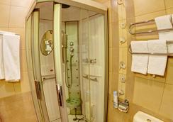 네브스키 베레그 93 호텔 - 상트페테르부르크 - 욕실