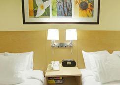 Hotel Nexus Seattle - 시애틀 - 침실