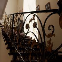 Art-khostel Sherlock homes Staircase