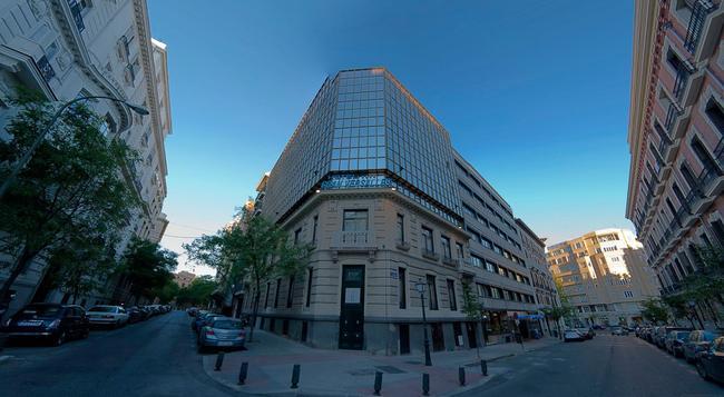 그란 베르살레스 - 마드리드 - 건물