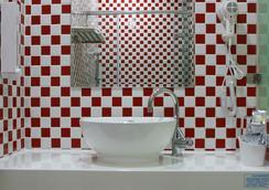뉴 롱 호텔 - 가오슝 - 욕실