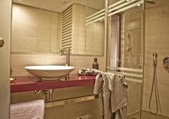 노버스 시티 호텔 - 아테네 - 욕실