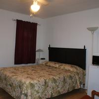Regent Motel Guestroom