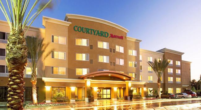 Courtyard by Marriott Anaheim Resort/Convention Center - 애너하임 - 건물