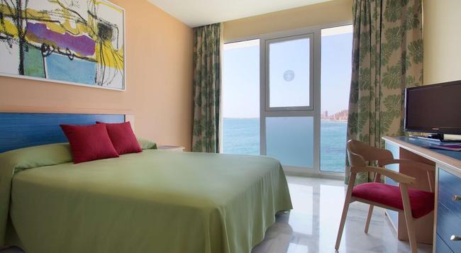 호텔 세르비그룹 갈루아 - La Manga del Mar Menor - 침실