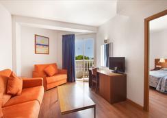 Hotel Servigroup Romana - 알코쎄브레 - 침실