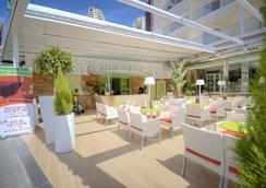 Hotel Servigroup Calypso - 베니도름 - 바