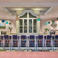 Graduate Oxford Lobby