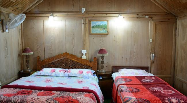 하우스보트 자인브릿지 팰리스 - Srinagar - 침실